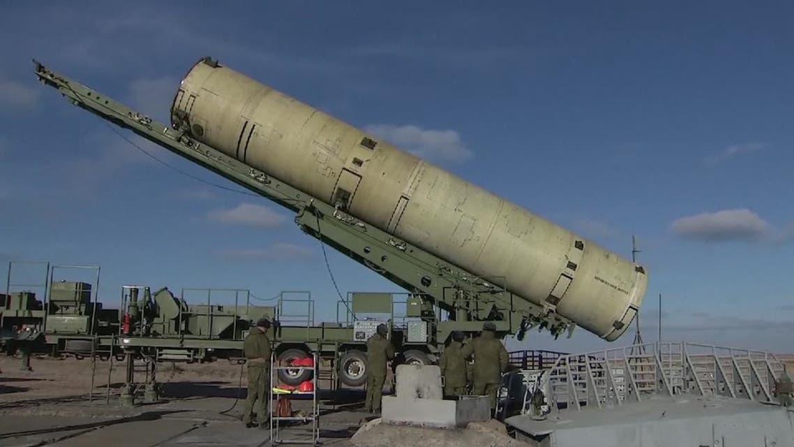 موسكو تعلق مشاركتها في معاهدة الصواريخ النووية متوسطة المدى