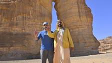 حاكم دبي بين آثار العلا على هامش مشاركته في سباق التحمل