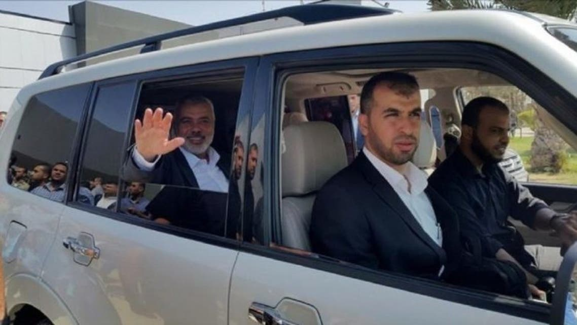 زعيم حماس أثناء مغادرته غزة متوجها إلى القاهرة