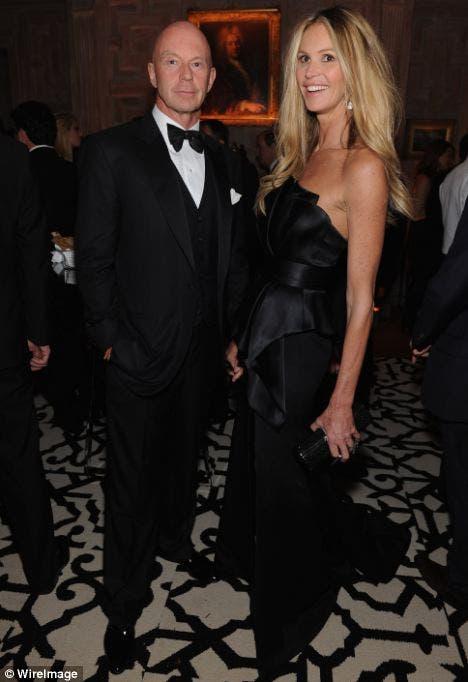 جنكنز وزوجته الممثلة وعارضة الأزياء البرازيلية المقيمة بالولايات المتحدة