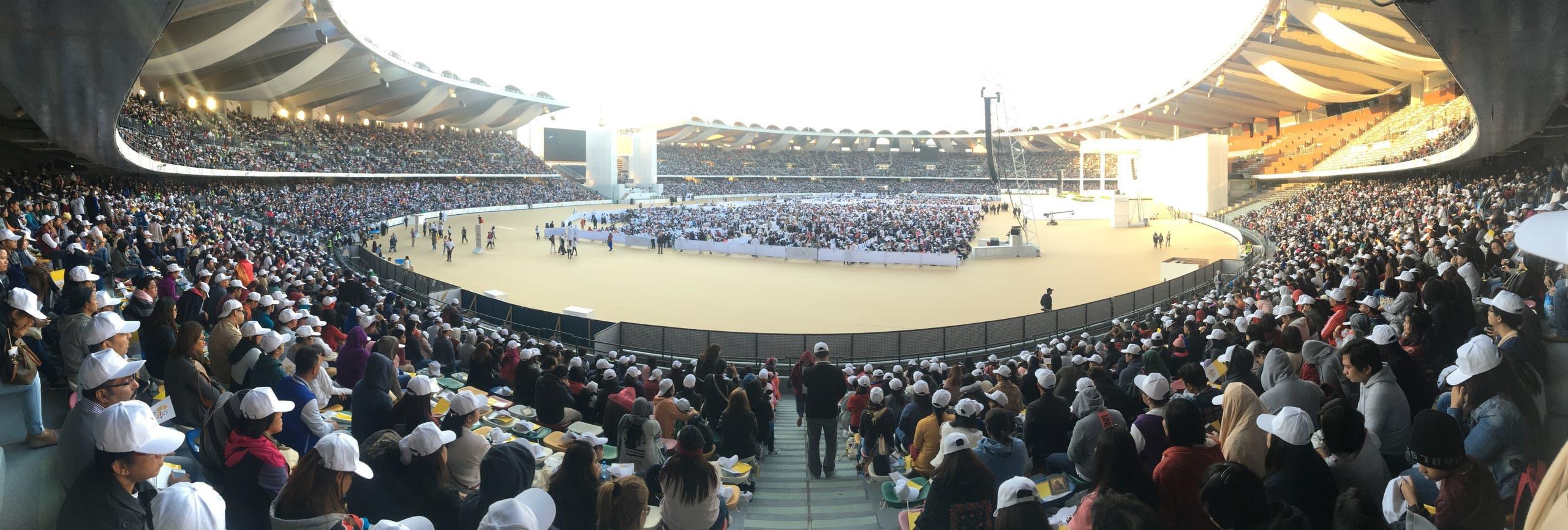 Panorama Pope's Mass. (Al Arabiya)