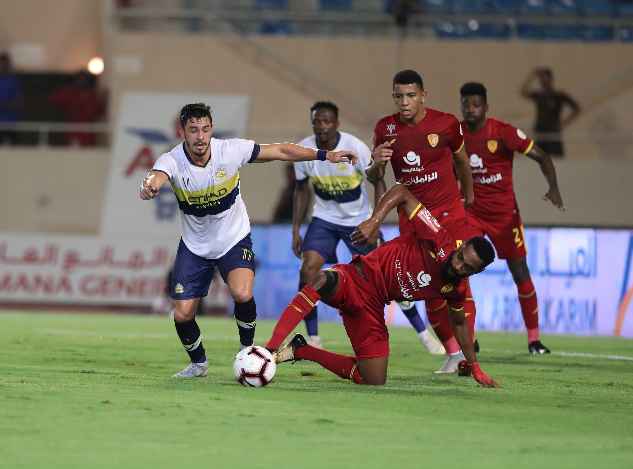 جوليانو في مباراة النصر والقادسية