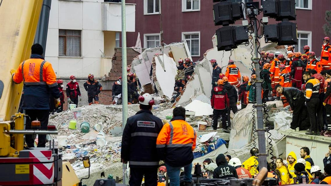 Rescuers work at the site of a collapsed six- storey building in Kartal district of Istanbul, on February 7, 2019. (AFP)