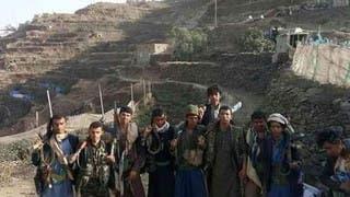 بدعم التحالف..قبائل حجور تقطع طريق إمداد رئيسي للحوثيين
