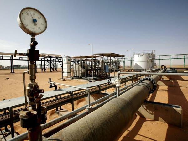 النفط يعوض بعضا من خسائره مع هبوط المخزونات الأميركية