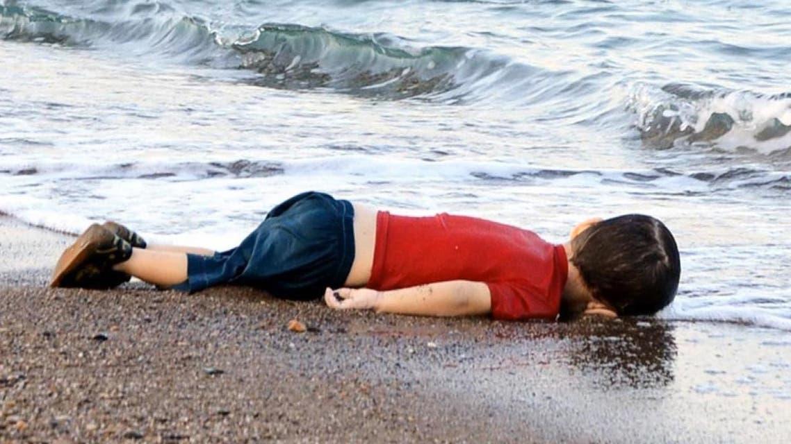 """قصة الطفل """"آلان"""" الكردي تُخلد في سفينة"""