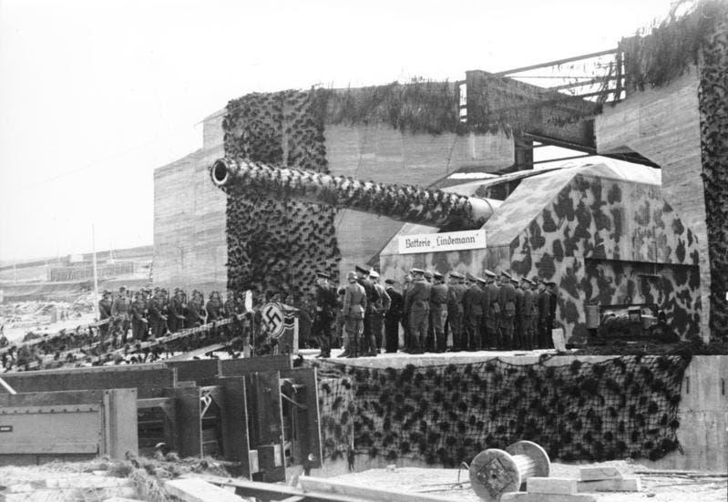 أحد المدافع الألمانية قرب شواطئ نورماندي