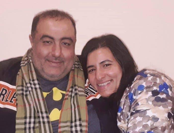 سامح عبد العزيز وشقيقته