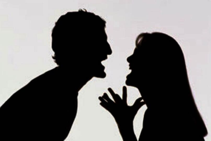 كان بينهما شجار يومي، حتى نشر الزوجان غسيلهما على حبال الانترنت، فعلمت به المحكمة