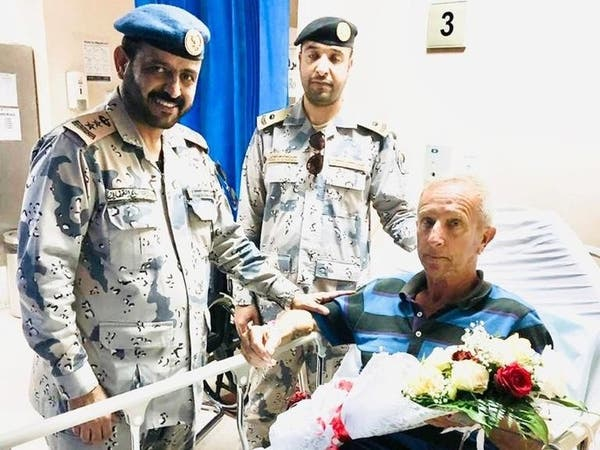 البحرية السعودية تنقذ بحاراً فرنسياً على قارب شراعي