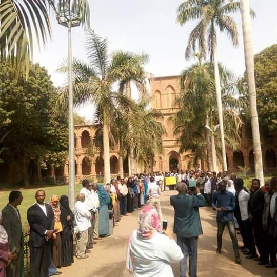 البشير يعين وزيراً جديداً للمالية في السودان