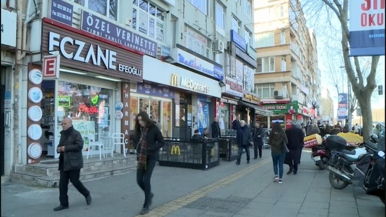 تركيا.. تراجع الليرة يخفي أدوية من الصيدليات
