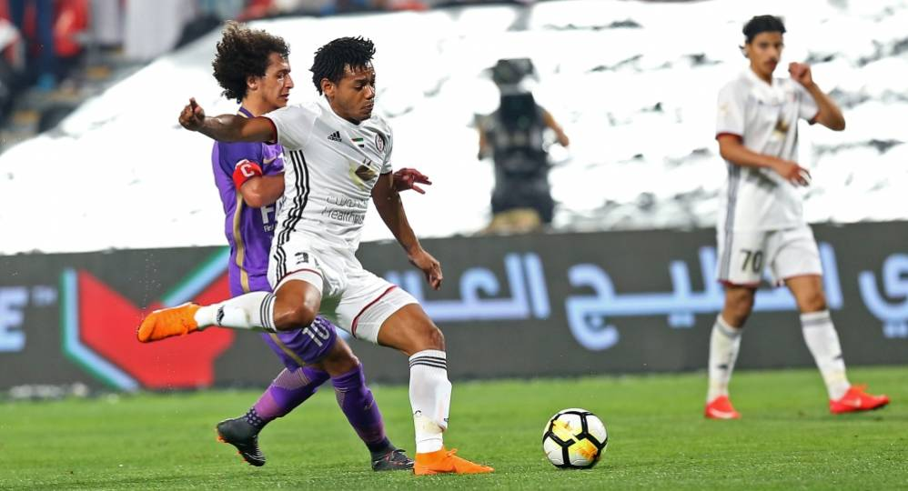 رومارينيو في مباراة سابقة مع الجزيرة ضد العين