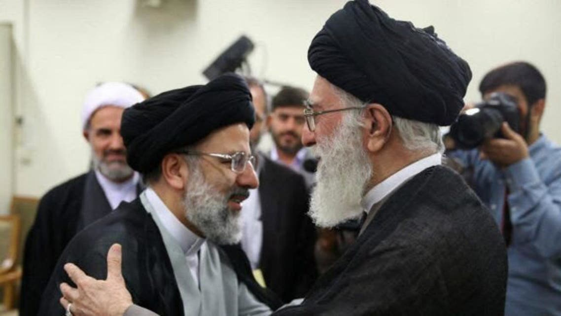 ابراهيم رئيسي والمرشد الايراني علي خامنئي