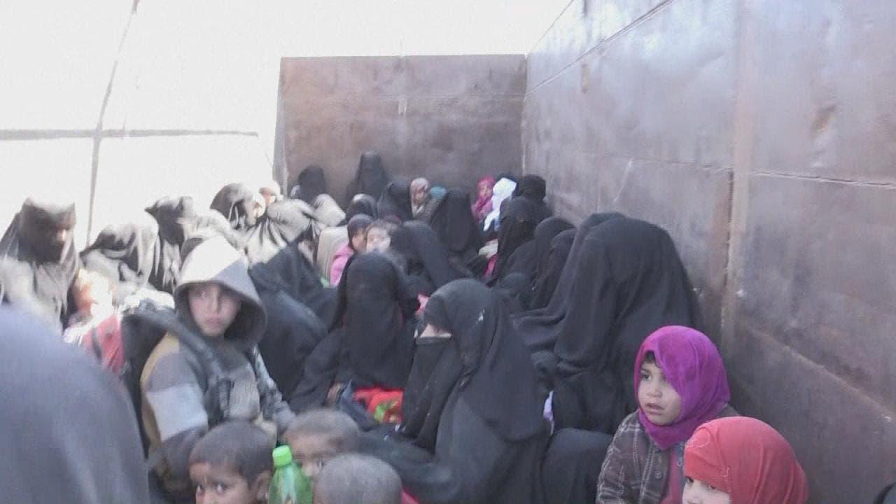 مشاهد لإخراج عائلات داعش من الباغوز بسوريا