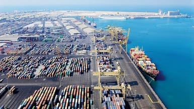 الإمارات تنفي تخفيف الحظر على قطر في منافذها البحرية