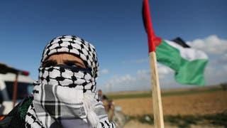 إسرائيل تضرب 3 مواقع في غزة رداً على بالونات حارقة