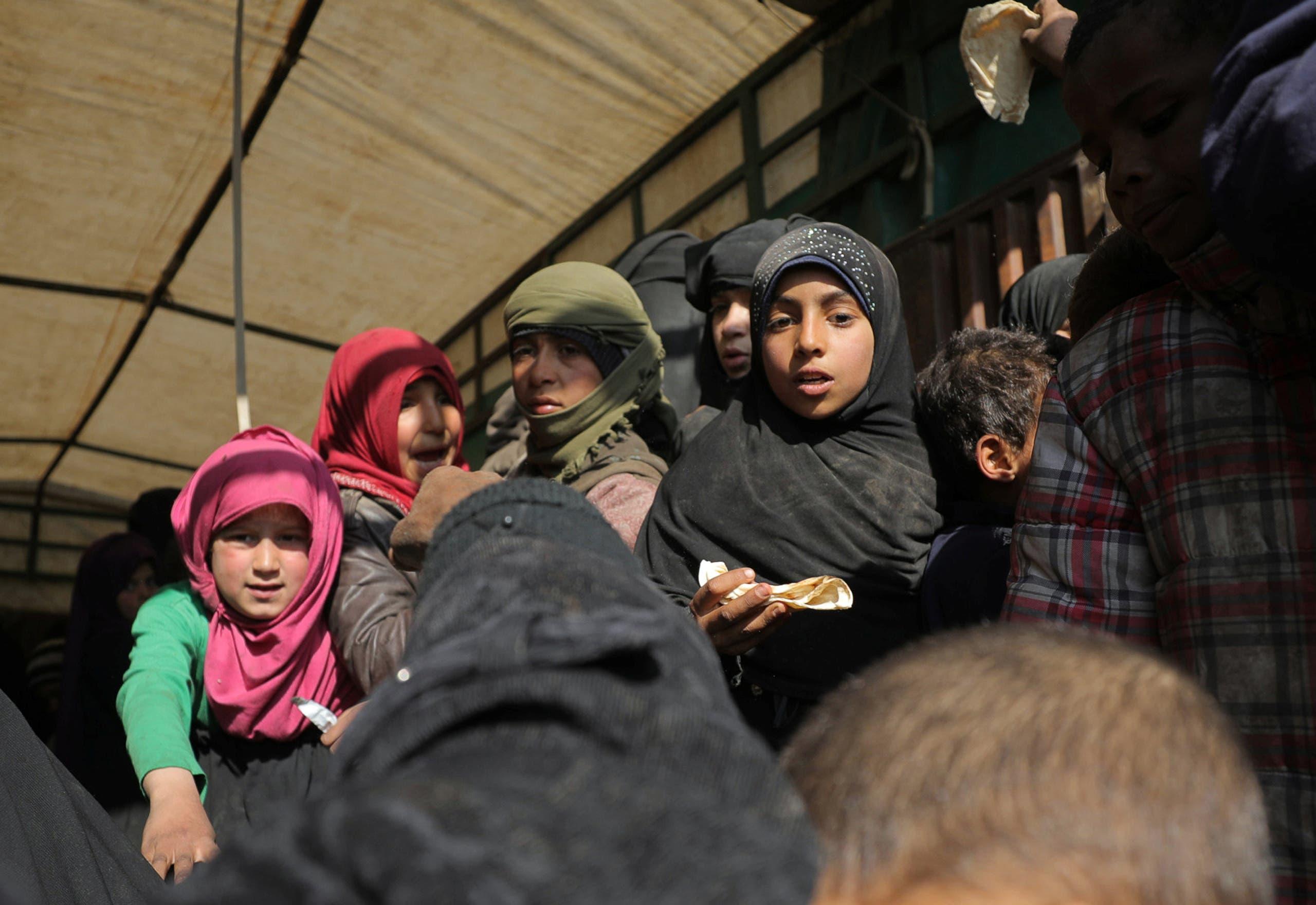 اجلاء مدنيين وعائلات داعش من الباغوز