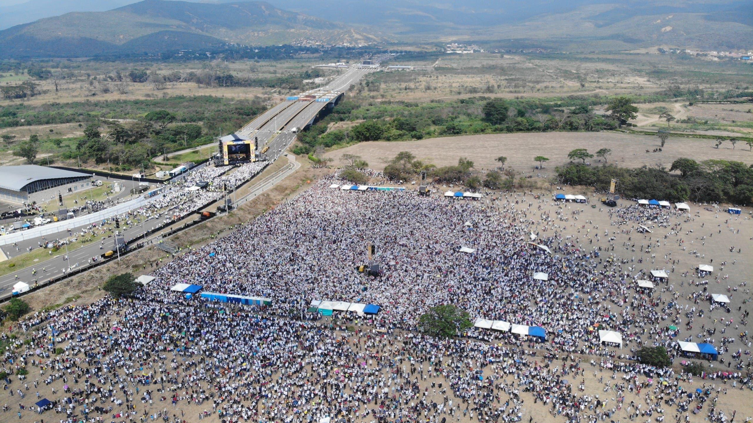 مشهد من الحدود مع كولومبيا