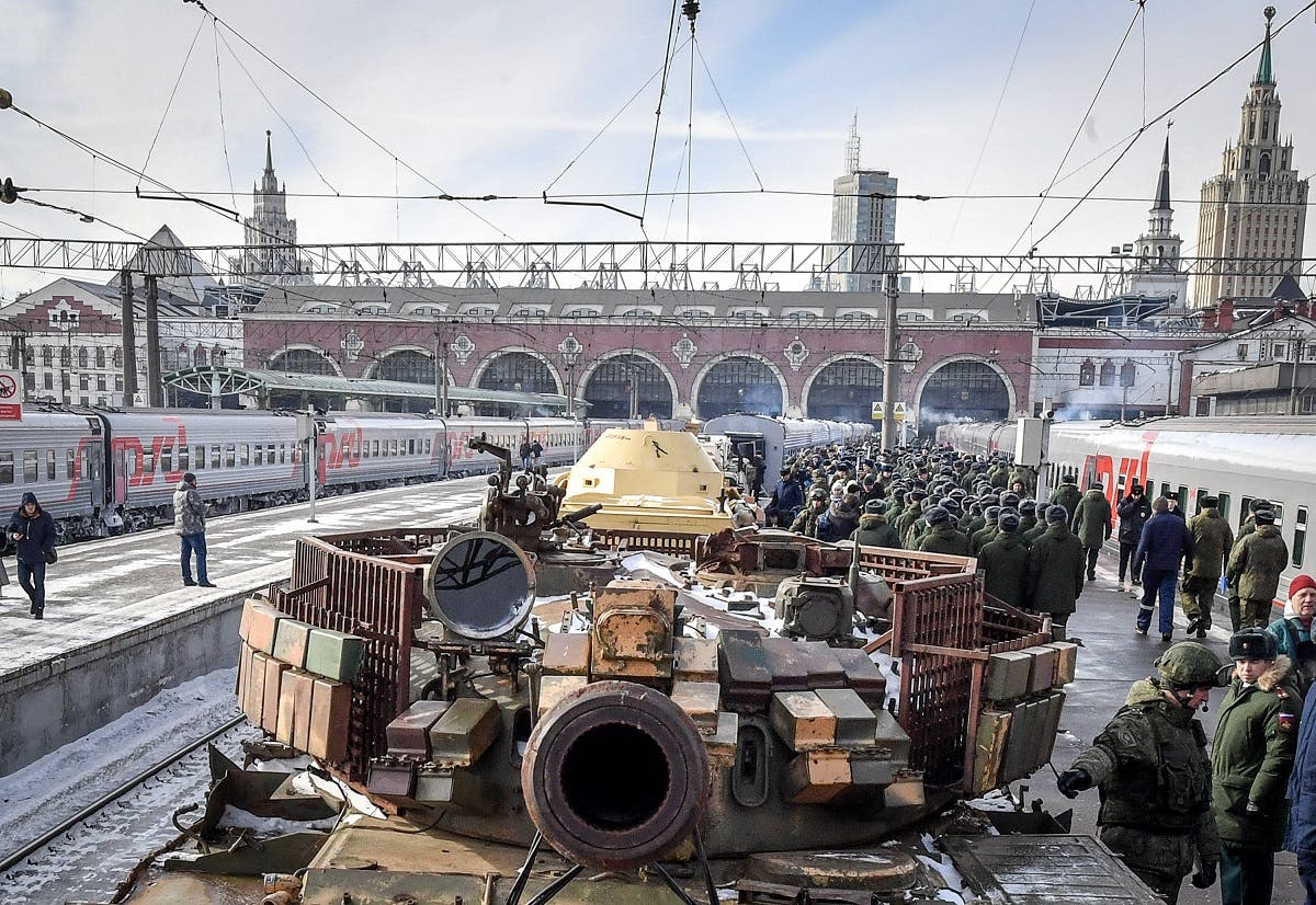 """The train with """"Syrian turning point"""" exhibition, which houses unique military trophies captured from militants in Syria is departing from Moscow to visit 60 cities of Russia. (AFP)"""