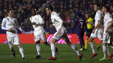 بنزيمة وبيل يقودان ريال مدريد لتجاوز ليفانتي