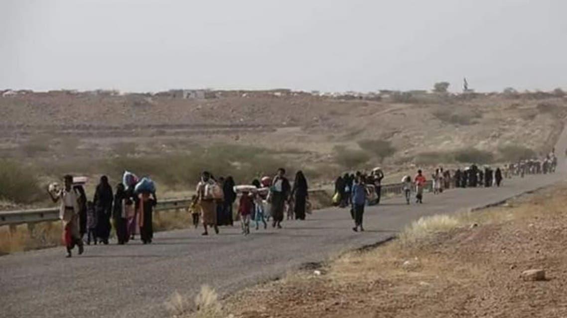 نازحون من مناطق حجور هربا من نيران الحوثيين
