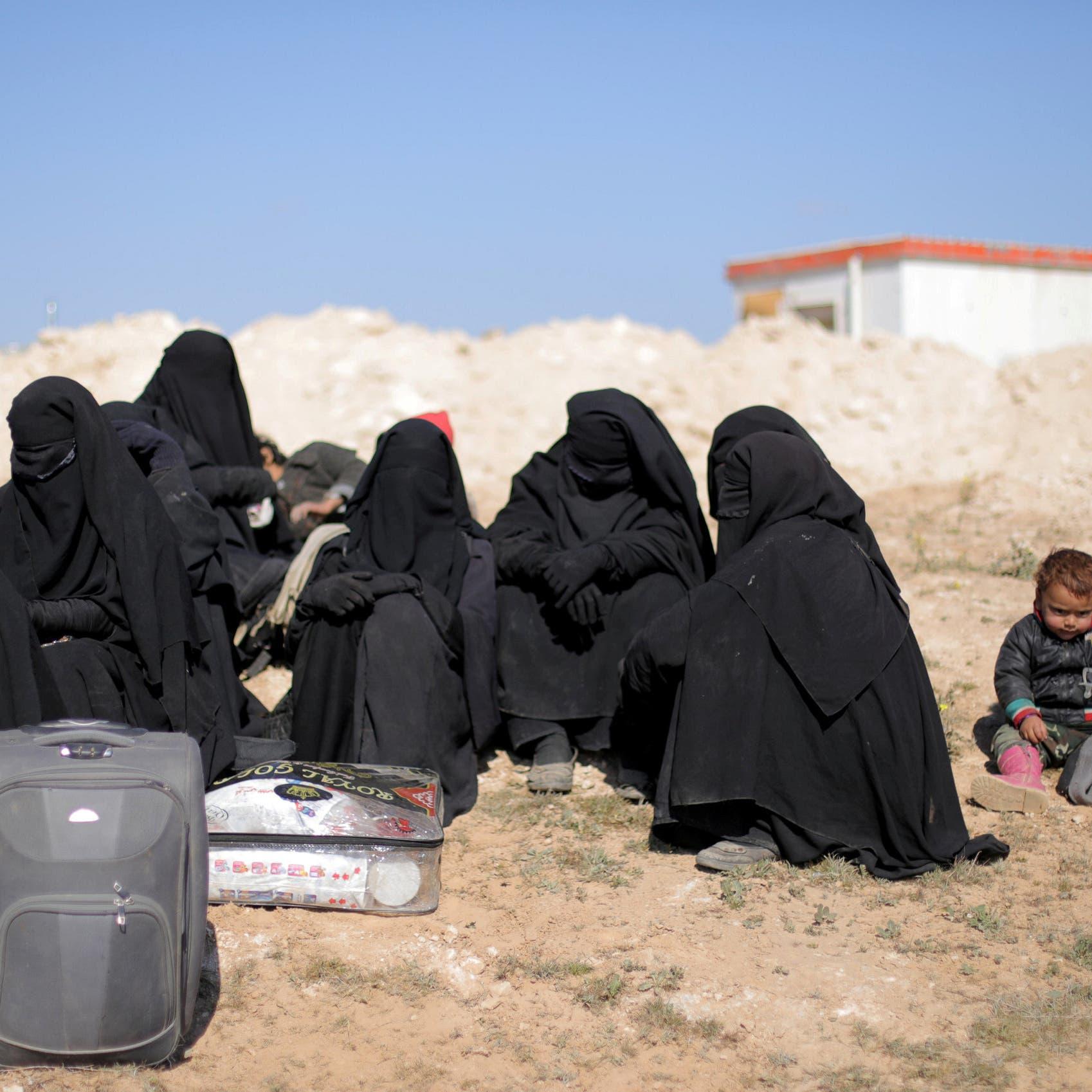 بعد نحر داعش لـ50 أسيرة إيزيدية.. ناشط يكشف الخبايا