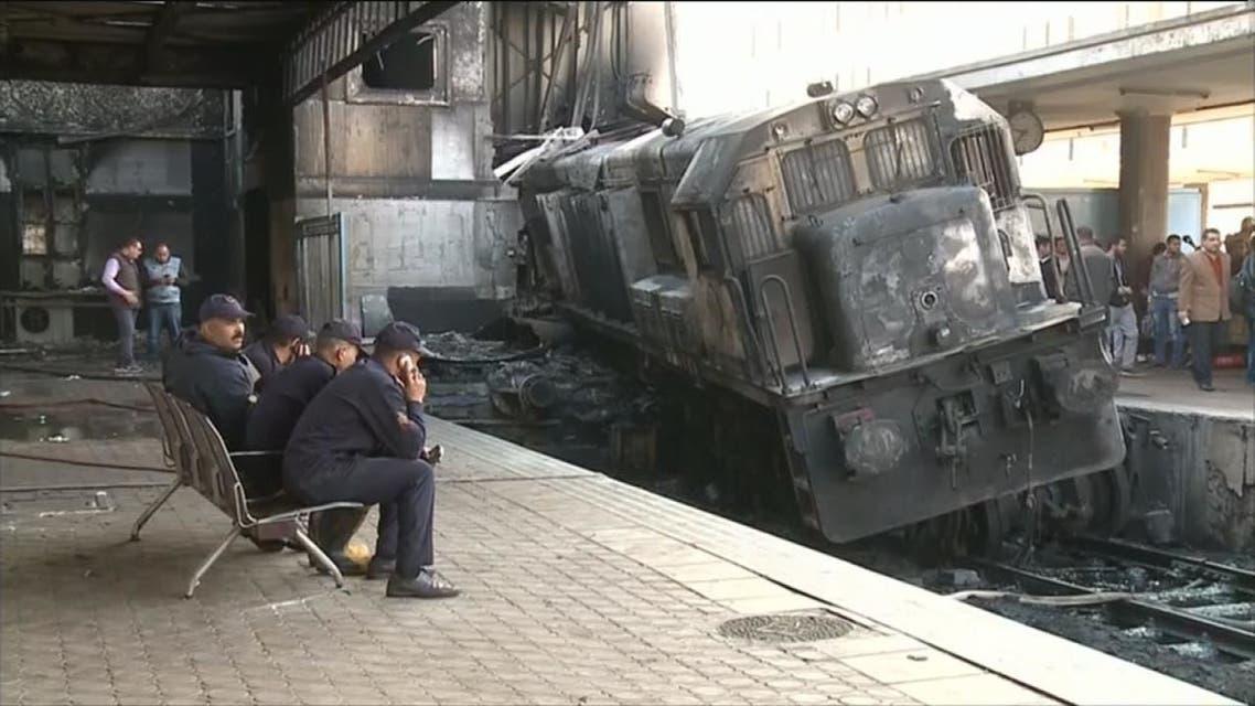 شجار بين سائقي قطارين أودى بحياة 20 مصريا