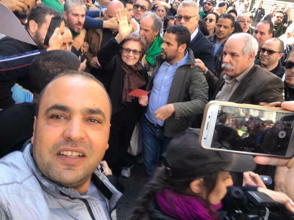 جميلة بوحيرد بين المتظاهرين