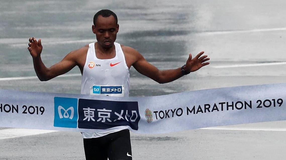 Winner Birhanu Legese of Ethiopia crosses the finish line. (Reuters)