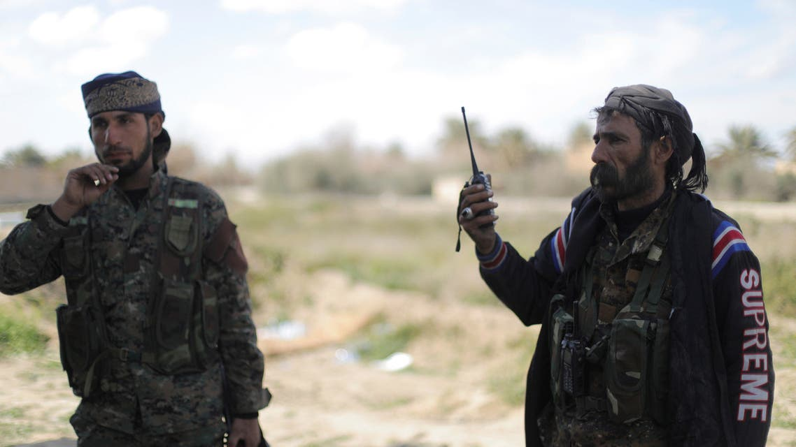 عناصر من قوات سوريا الديمقراطية في الباغوز(4/3/2019- رويترز)