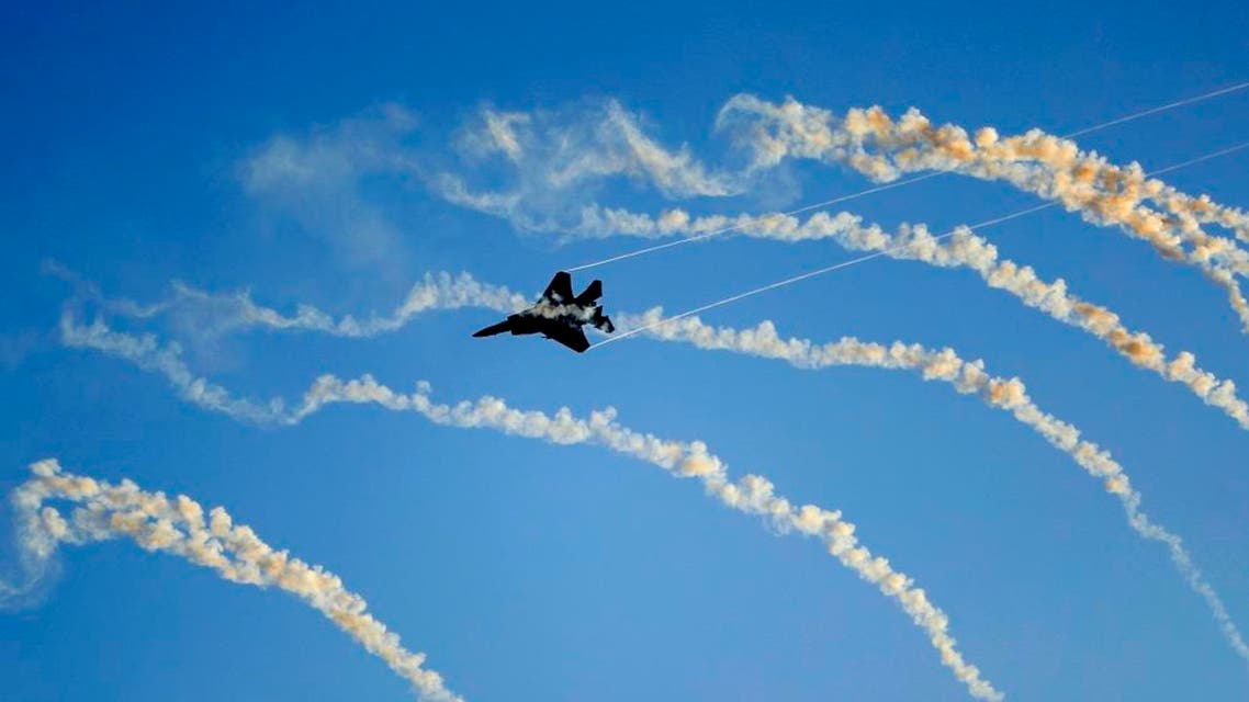 An Israeli F-15 I fighter jet launches anti-missile flares. (File photo: AFP)