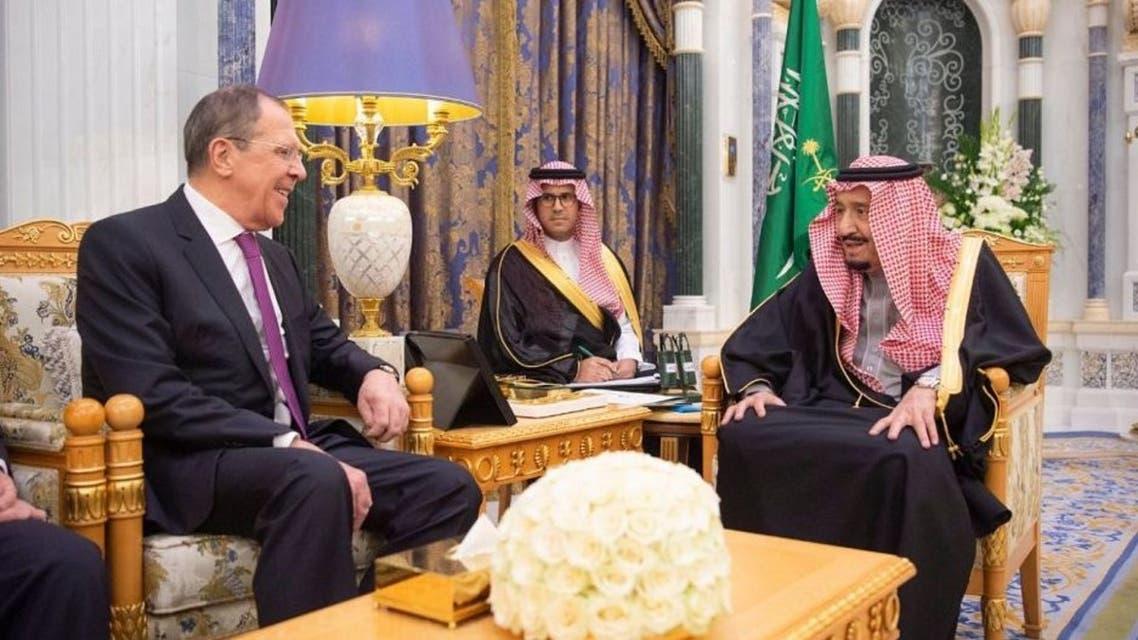 خادم الحرمين الشريفين الملك سلمان بن عبد العزيز مع وزير خارجية روسيا سيرغي لافروف