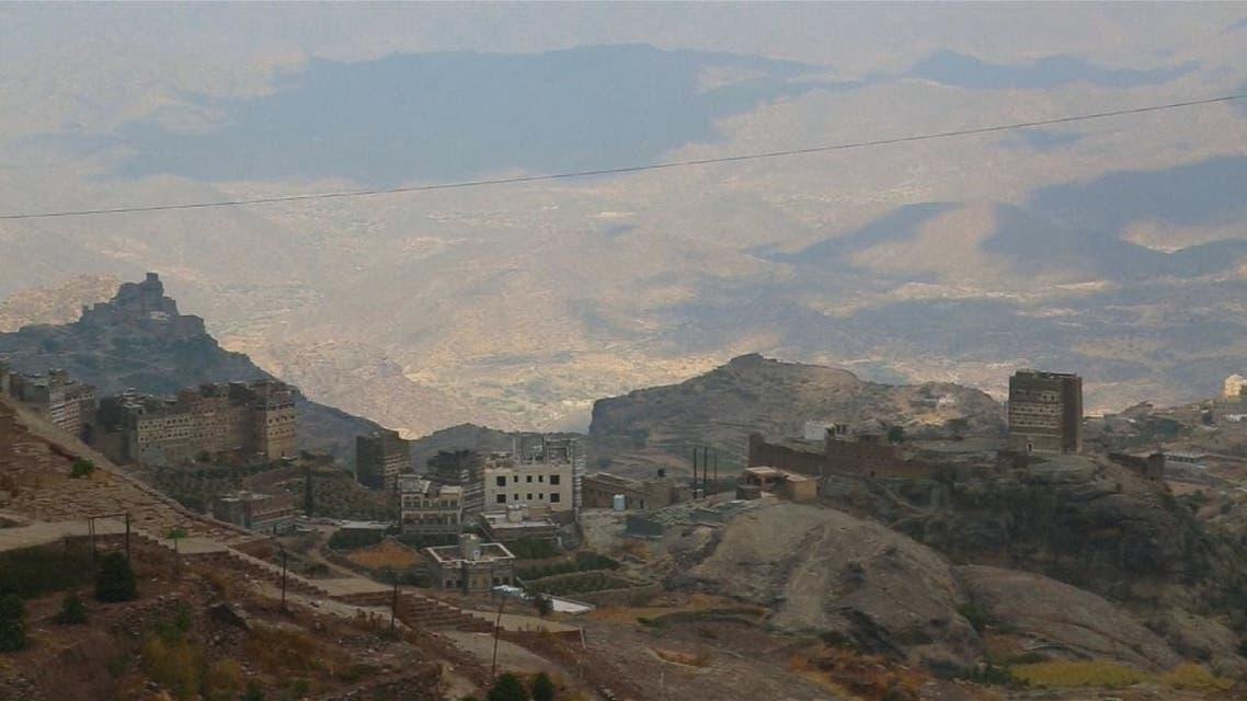 الحوثي يحرق قرى حجور عقابا على التصدي لميليشياته