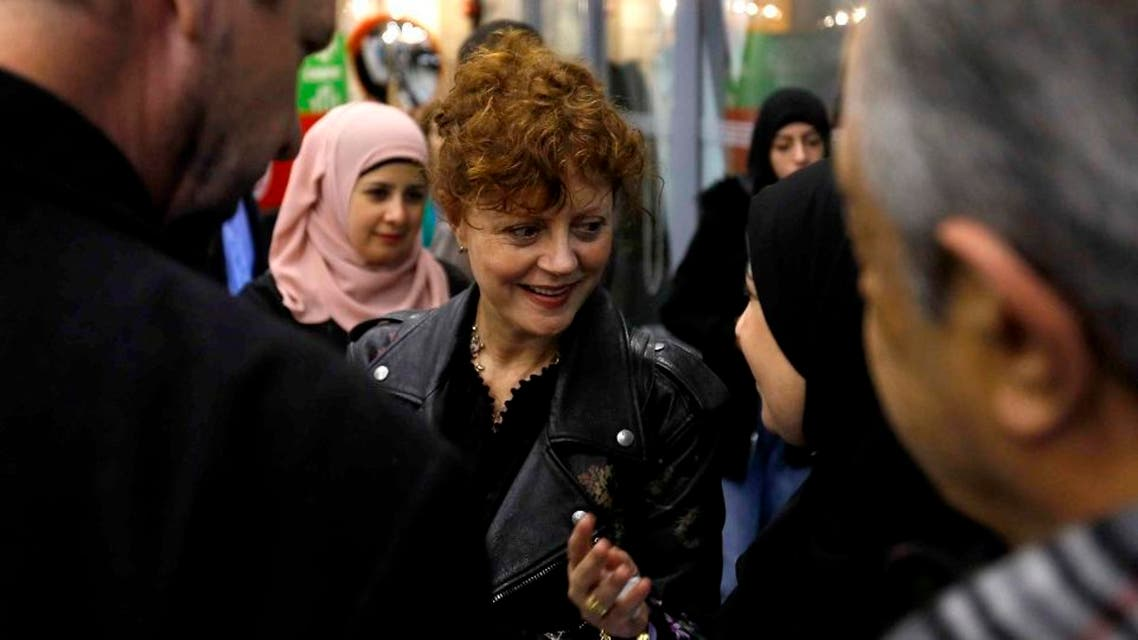 """US actress and producer of the movie """"Soufra"""" Susan Sarandon (L) talks with social entrepreneur and documentary's character Mariam Shaar. afp"""