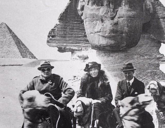 صورة لعالمة الآثار والمستكشفة والباحثة غيرترود بيل بمصر
