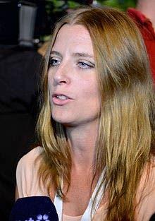 جوانا فرندين، مراسلة أفتونبلاديت