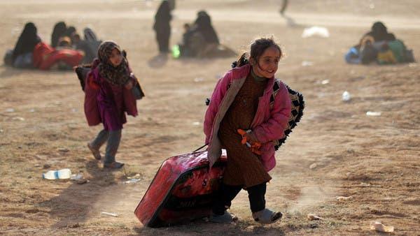 """نازحون من آخر جيب لـ""""داعش"""" في سوريا (أرشيفية)"""
