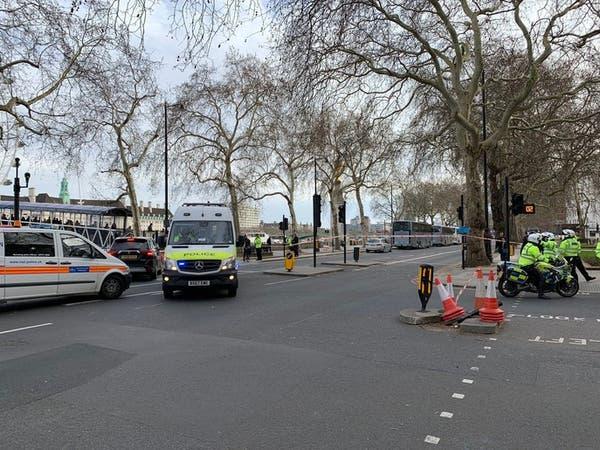 لندن.. الشرطة تغلق طرقاً بسبب مركبة مشبوهة