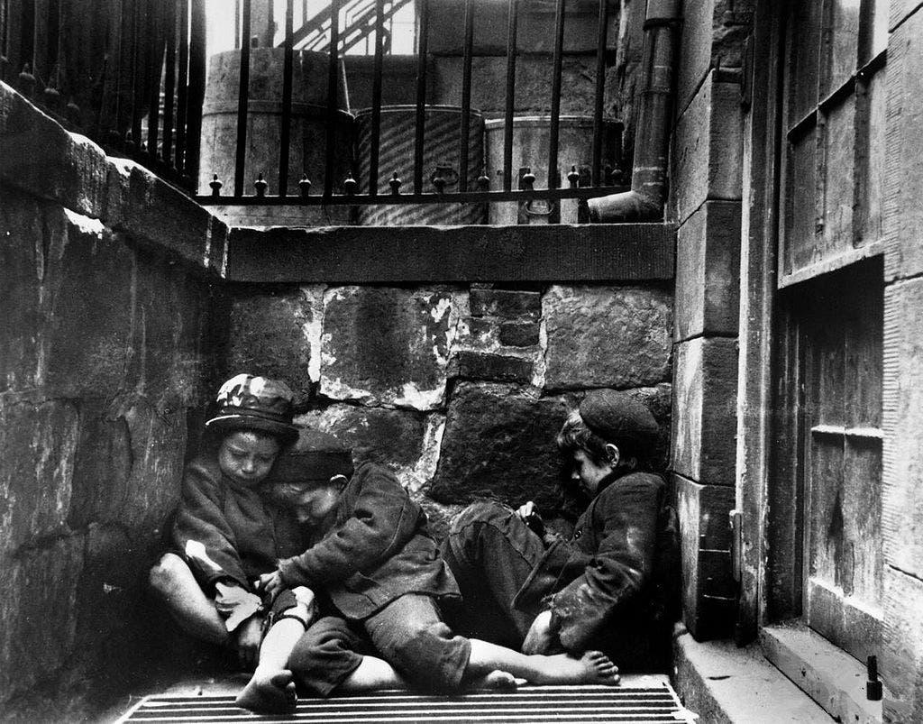 صورة لأطفال بشوارع نيويورك سنة 1890