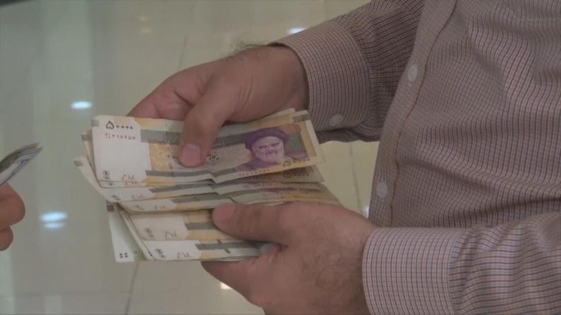 المركزي الإيراني: الدولار الحكومي فشل في لجم الأسعار