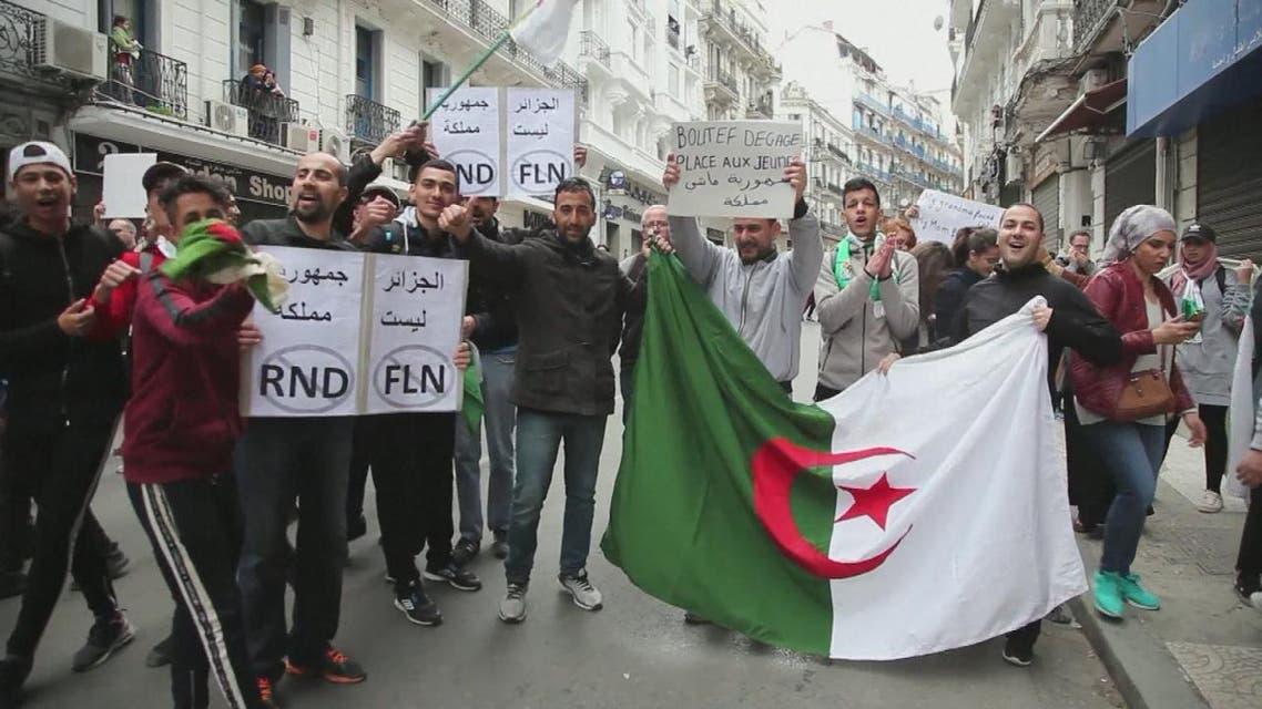 THUMBNAIL_ في مظاهرات الجزائر.. هناك من يستفيد من الحشود!