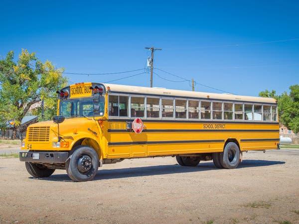 تفاصيل وفاة طفلة اختناقاً داخل حافلة مدرستها في القنفذة