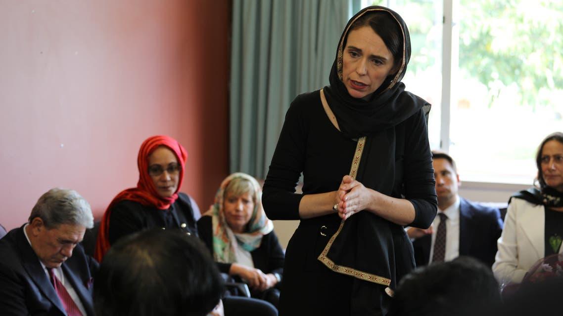 رئيسة وزراء نيوزيلندا جاسيندا أرديرن  تتحدث إلى أعضاء من الجالية المسلمة
