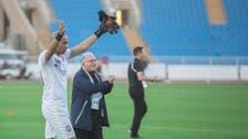 مدرب الجزائر يستبعد مبولحي.. ويضم بلعمري ودوخة