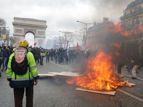 """فرنسا.. عودة """"السترات الصفر"""" بحراك محدود وصدامات"""