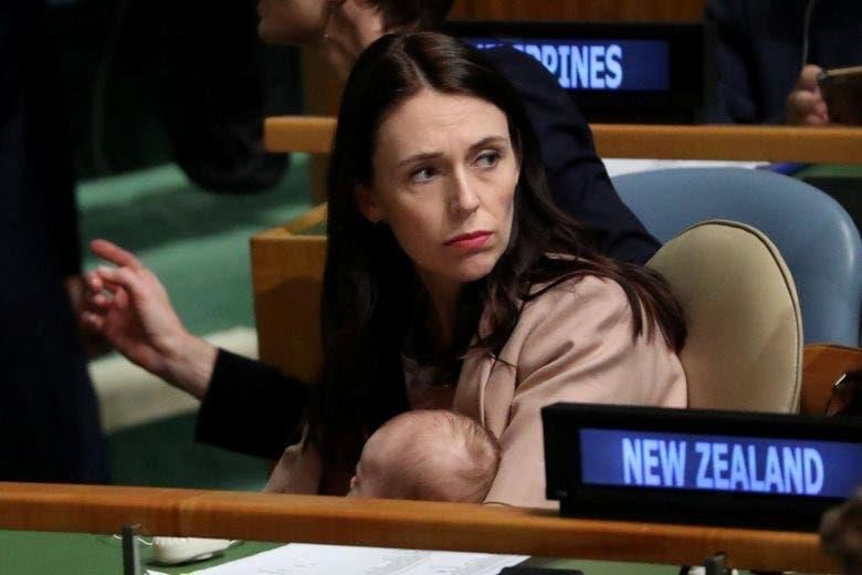 في أروقة الأمم المتحدة مع طفلتها