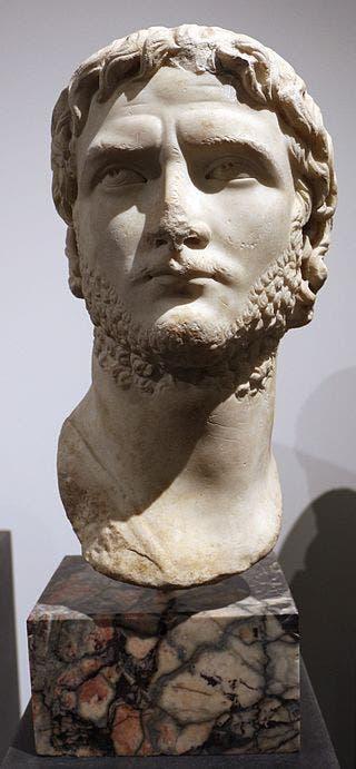 تمثال نصفي لإمبراطور روما غالينوس