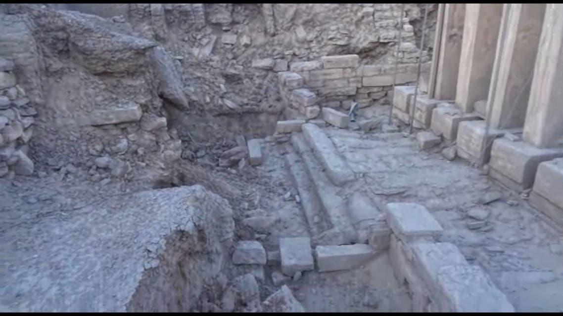 من اثار التدمير الذي تعرضت له مدينة براقش بعد سيطرة الحوثيين عليها