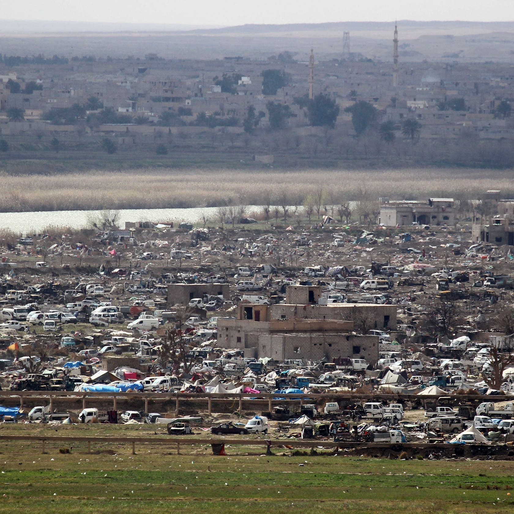 Iran-backed groups in Syria recruit locals to buy real estate in Deir Ezzor: Report